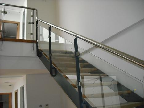 Productos cerrajer a lagarda barandillas escaleras for Barandillas de escaleras interiores